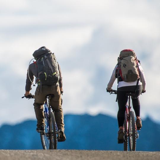 Two people enjoying a bike tour in Bellagio
