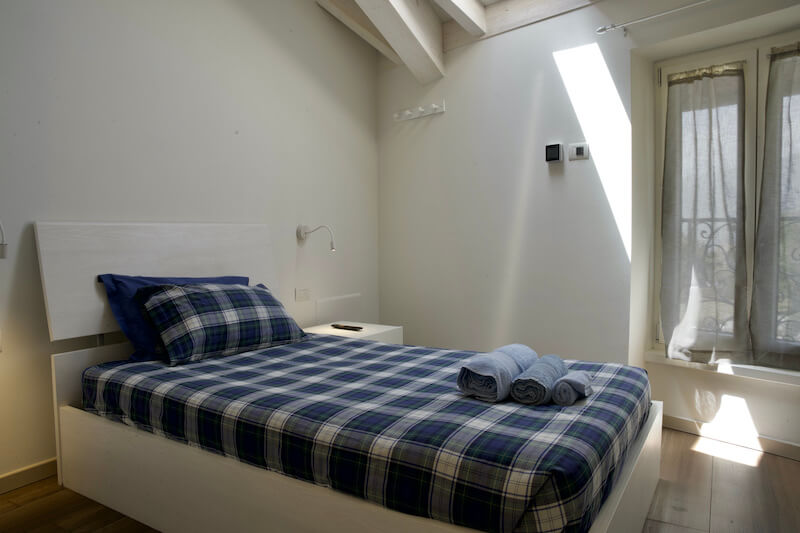 holiday apartment with single bedroom, woden roof and window