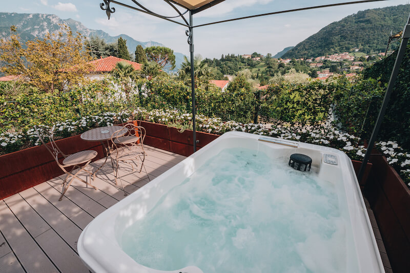 outdoor jacuzzi, table and chairs