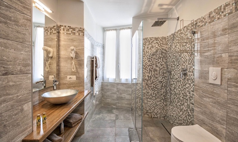 modern bathroom with brown and grey decoration