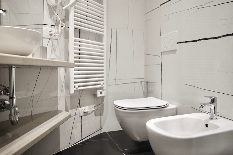 modern bathroom with light decors