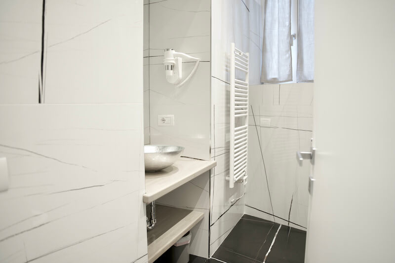 modern bathroom with white decoration